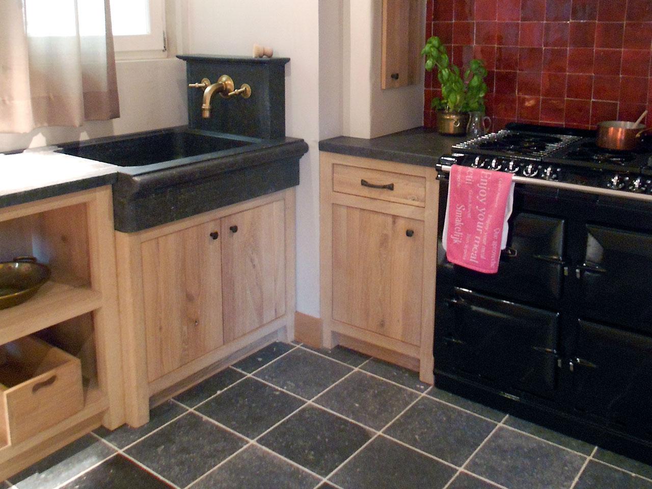 Rote Küche Welche Arbeitsplatte ...